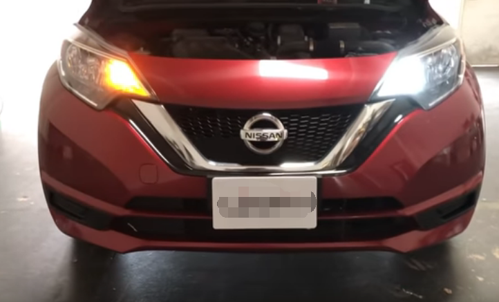 No Hyper Flash Switchback LED Turn Signal Install in 2017 Nissan Versa Note SV